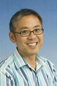 Photo of Dr Guan Lim